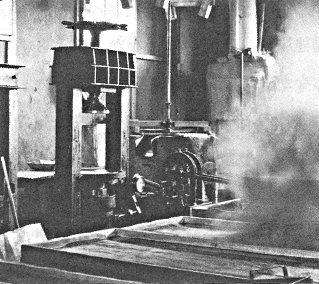 1948: Produces oil extracting machine.