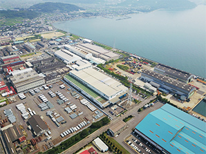 2007: Constructs and begins production at the Tadotsu Plant in Tadotsu-cho, Kagawa Prefecture in order to expand production of loader cranes.