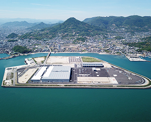 2019: Constructs and begins production at the Kozai Plant in Kagawa Prefecture, Japan.